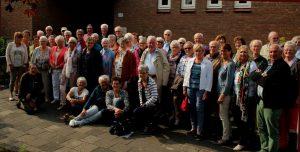 foto-bij-seniorencommissie